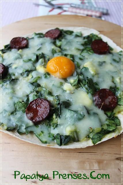 pazılı yumurtalı lavaş pizza 027