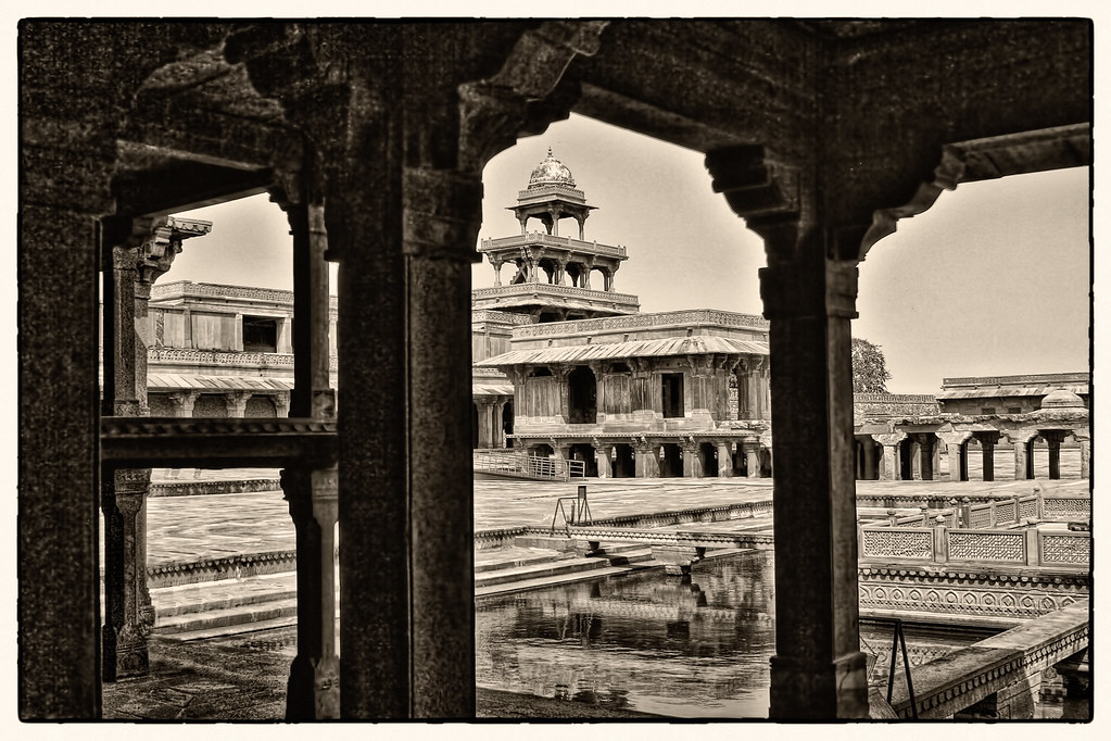 Fatehpur Sikri IND - Anup talao and Panch Mahal