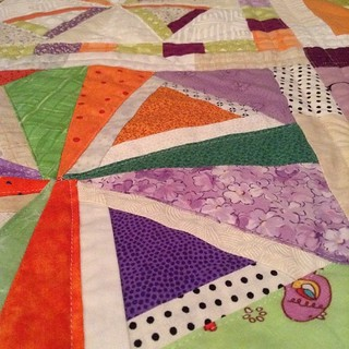 finished quilting! binding will be done anther day. #dogoodstitches #cheercircle #quilting #modernquilting #99modernblocks #freewheeling