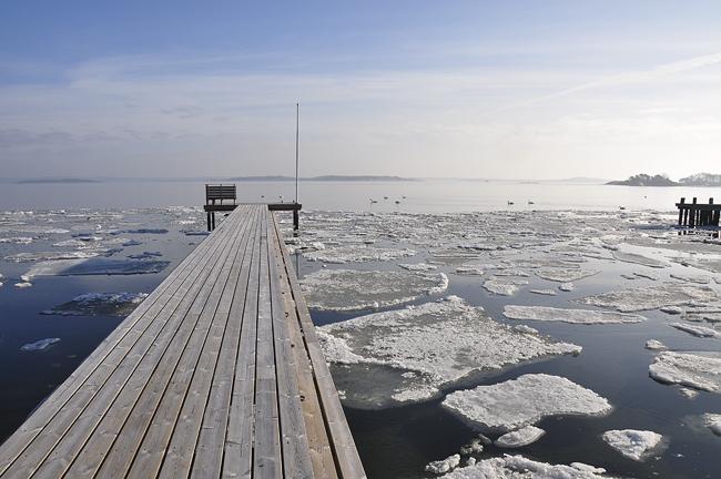 isen ger sig av