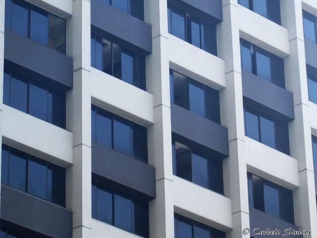 UIC Building 02