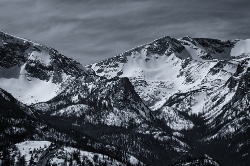 blackandwhite mountain snow monochrome clouds rockies colorado shadows rmnp estespark bnw coloradorockies