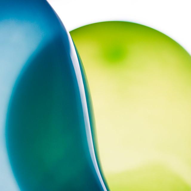 [010] Balloons