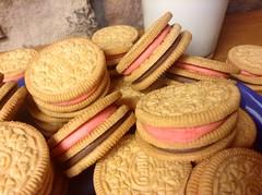 baking, buttercream, sweetness, baked goods, cookies and crackers, food, dessert, cookie, snack food, biscuit,