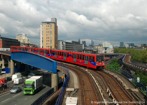 Dockland Light Railway (DLR) Poplar