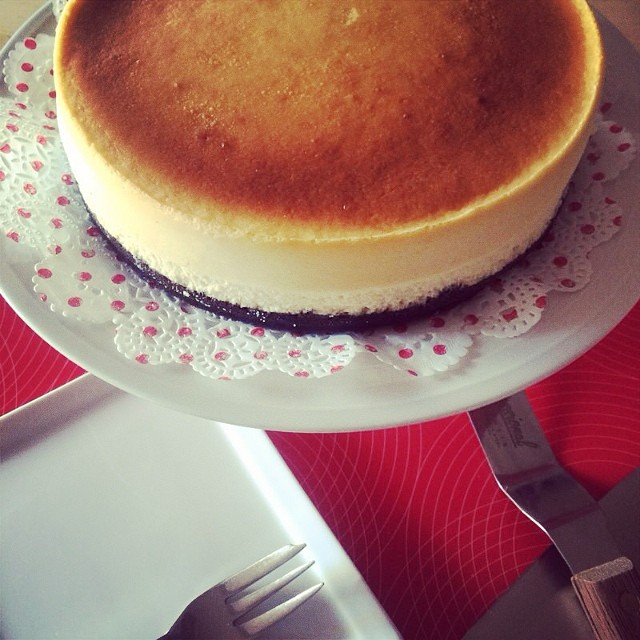 Very keen to bake this Japanese Cheesecake again but with a slight twist.  Will it work without base? Marble Cheesecake?  Am I taking a huge risk if I add matcha and change it into Matcha Cheesecake? Will I still achieve the same texture??
