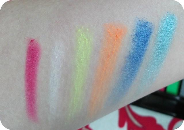 Makeup Revolution Redemption Palette Swatches 1