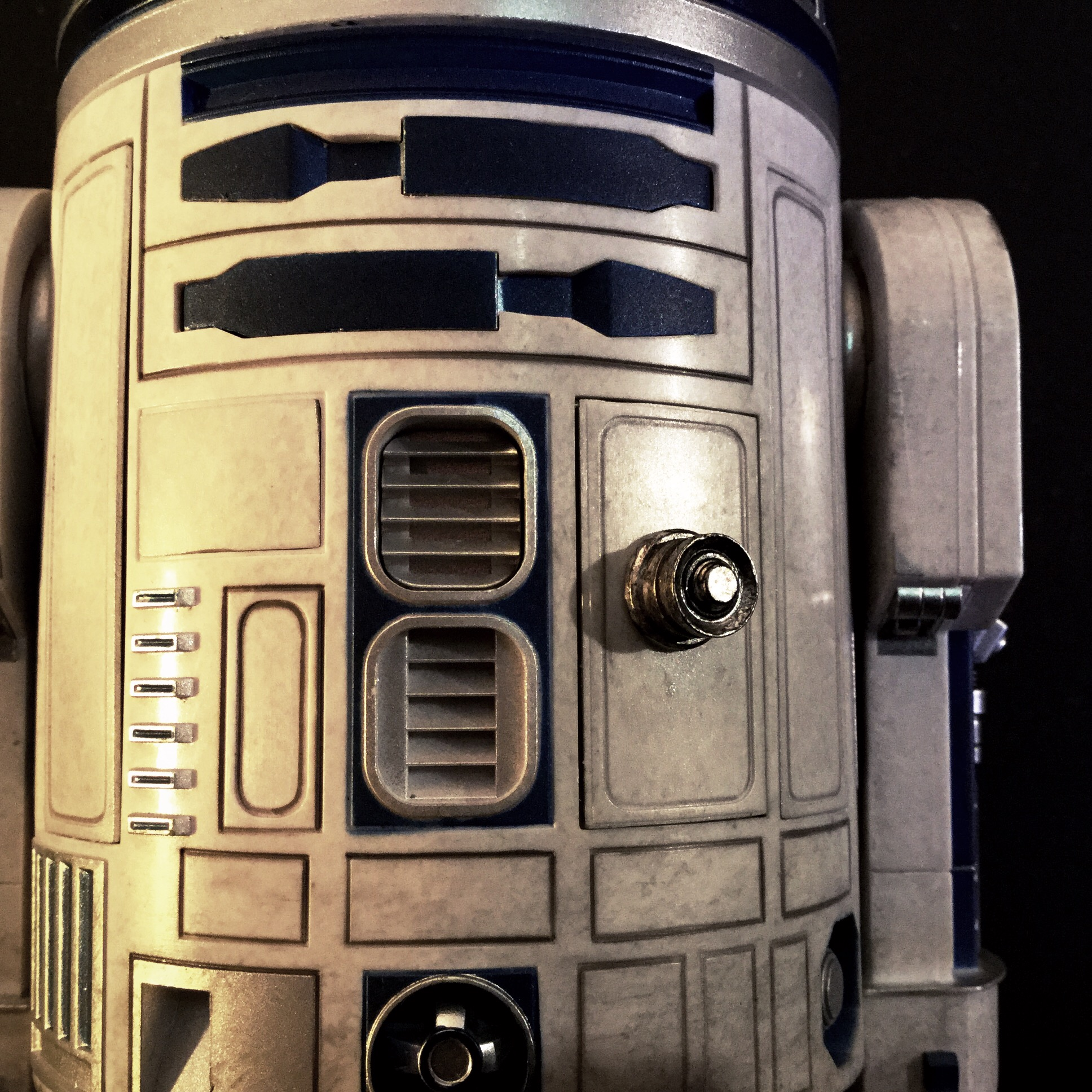 [REVIEW] Star Wars : R2-D2 Deluxe (Sideshow) 15824129493_1050f2a845_o
