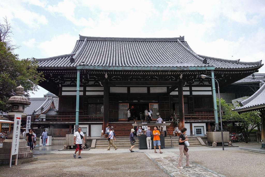 地元民に愛される寺