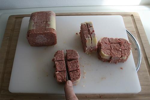 19 - Corned Beef grob würfeln / Dice corned beef