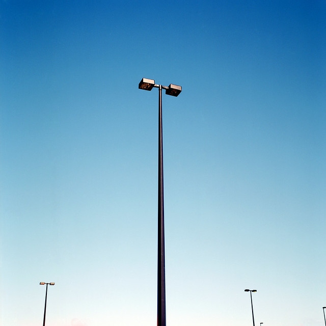 Poles apart - Minimalism in Street Photography