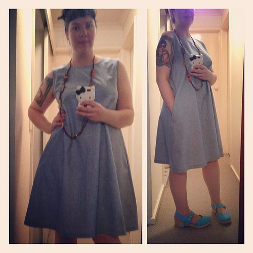And a little chambray number! Loving that all this fabric is from my stash! So 4 great summery dresses made!