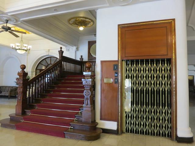 queens hotel 2