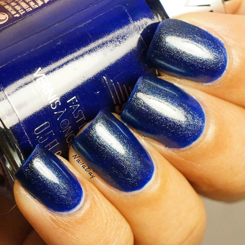 NailaDay: Insta-franken Revlon Royal and Jessica Iridescent Eye