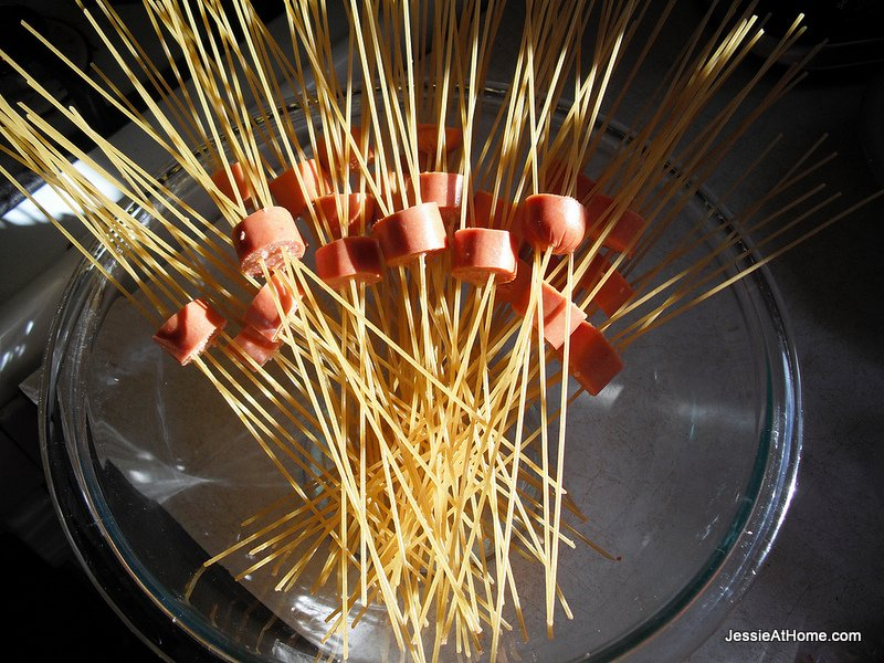 hot-dogs-on-spaghetti