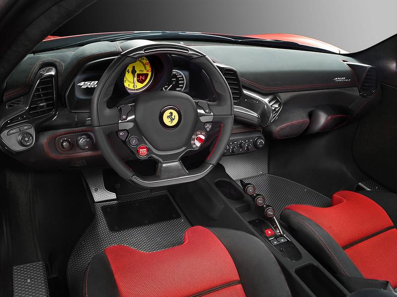 Ferrari 458Speciale_cruscotto_04_A4