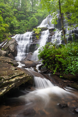longexposure summer green sc rain landscape outdoors waterfall southcarolina upstate lush cascade fallingwater upcountry portraitorientation issaqueenafalls