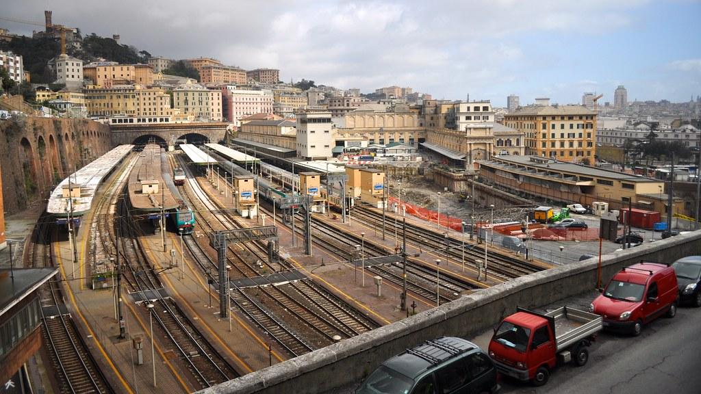 Gare ferroviaire de Gènes Principe - Photo de David McKelvey