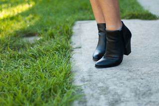winners black ankle boots