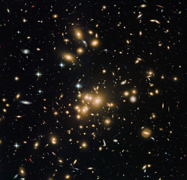 New Hubble view of galaxy cluster Abell 1689