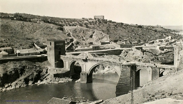 Puente de San Martín en 1927. Fotografía de Joaquín Turina © Fundación Juan March