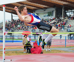 sprint(0.0), modern pentathlon(0.0), 110 metres hurdles(0.0), obstacle race(0.0), triple jump(0.0), 100 metres hurdles(0.0), pole vault(0.0), long jump(0.0), hurdle(0.0), physical exercise(0.0), hurdling(0.0), athletics(1.0), track and field athletics(1.0), sports(1.0), high jump(1.0), heptathlon(1.0), person(1.0), athlete(1.0),