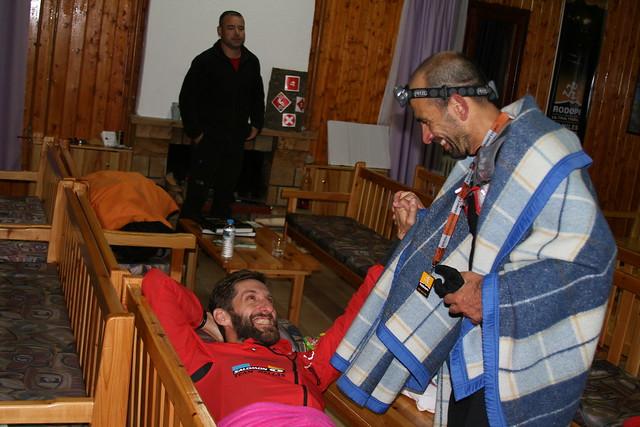 Ο Λεωνίδας Αθανασόπουλος ξενύχτησε για να υποδεχθεί τον φίλο του ... στιγμές ανεκτίμητες, βαθιά χαραγμένες μέσα μας...