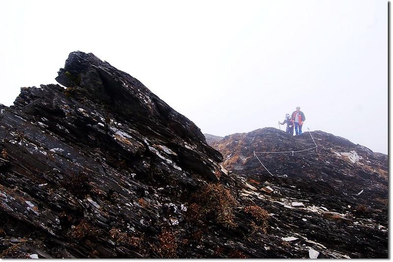 裸岩與斷崖(Between奇萊池山與主山) 3
