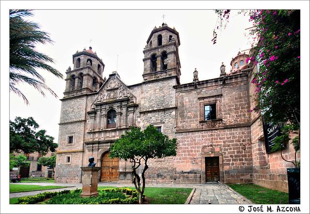 Mexico. Morelia. Biblioteca Pública de Morelia (Ex templo de la Compañía de Jesús).
