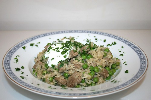 40 - Indischer Erbsenreis mit Lamm - Seitenansicht / Indian pea rice with lamb - Side view