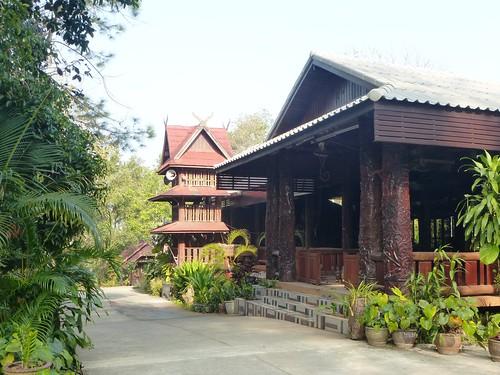 Th-Um Phang -Ville-Monastere (1)