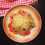 quinoa mit paprika und sprossen