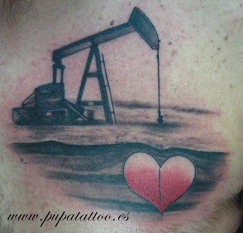 Tatuaje extractor de petroleo, Pupa Tattoo, Granada by Marzia PUPA Tattoo