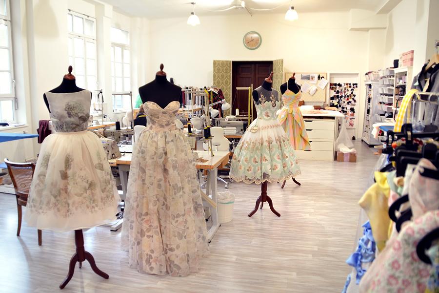 Lena Hoschek Atelier Wien Vienna Dresses High Fashion Luxury Wedding CATS & DOGS fashion blog Berlin 15