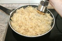 29 - Mit Salz & Pfeffer würzen / Taste with…