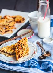 Pie in the short pastry with orange jam and milk