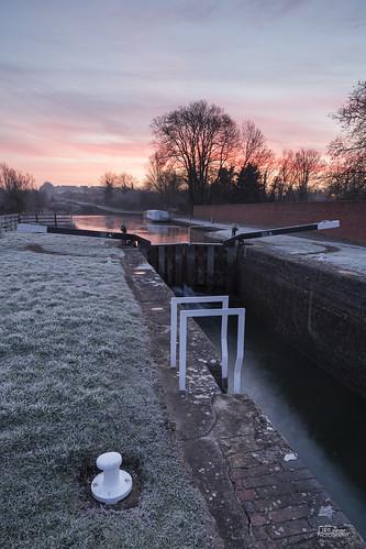 winter england southwest ice sunrise canon landscape dawn landscapes canal frost unitedkingdom wiltshire devizes westcountry kennetandavoncanal caenhilllocks rowde caenlocks jaketurner canon5dmarkiii jrturnerphotography