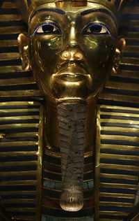 Maldición de Tutankamón alcanza a restauradora