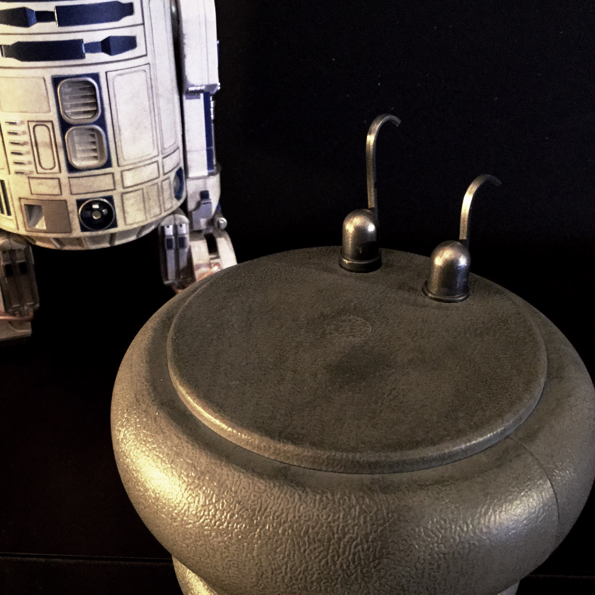 [REVIEW] Star Wars : R2-D2 Deluxe (Sideshow) 16418187086_00202daa22_o