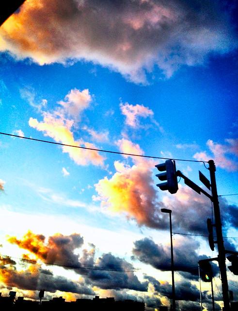夕焼け雲 彩度強