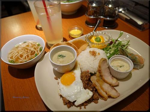 Photo:2015-11-06_T@ka.の食べ飲み歩きメモ(ブログ版)_ランチでスペシャルコンボを【田町】Taka's Kitchen_05 By:logtaka