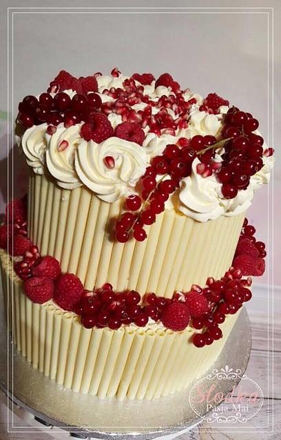 Fruity Cake by Maja Winiarska
