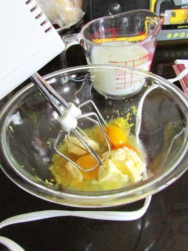 """Kitchen Disaster: """"Luscious"""" Lemon Cake (in a slow cooker)"""