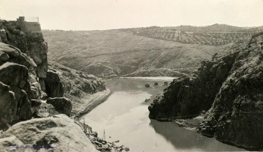 Río Tajo desde Roca Tarpeya en 1927. Fotografía de Joaquín Turina © Fundación Juan March