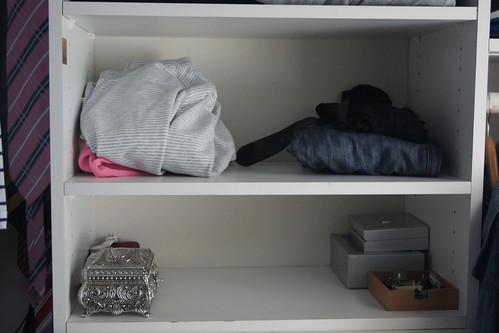 wardrobe declutter DSC03160