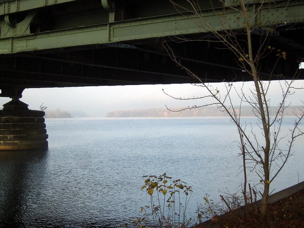 Novembermorgen An Der Glienicher Brücke Der Verbindung Vo