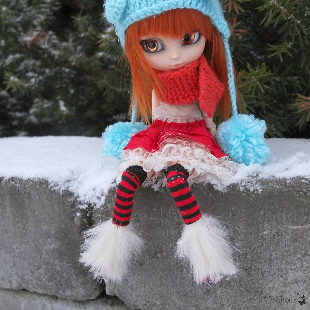 Sitting around - Molly, Banshee
