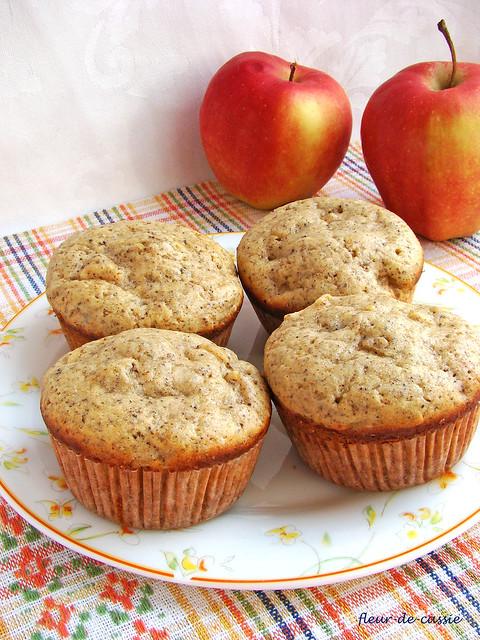 маковые маффины с яблоком 1