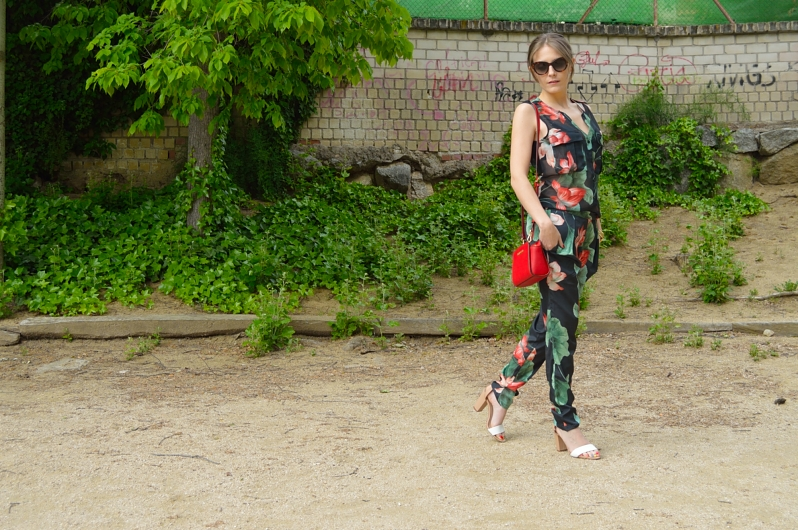 lara-vazquez-madlulablog-style-streetstyle-jumpsuit-spring-look