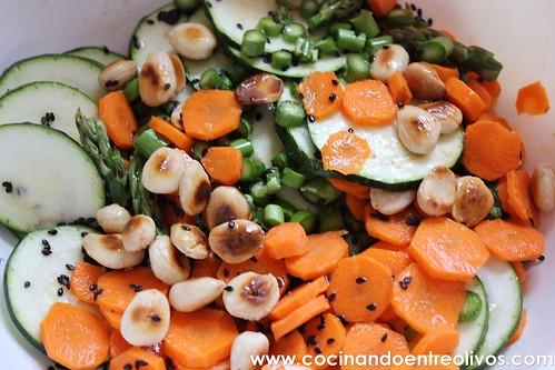 Ensalada de calabacín, espárragos y zanahoria www.cocinandoentreolivos (10)